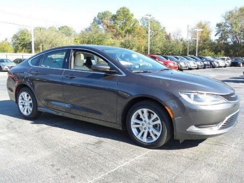 Pre-Owned 2017 Chrysler 200 LIMI