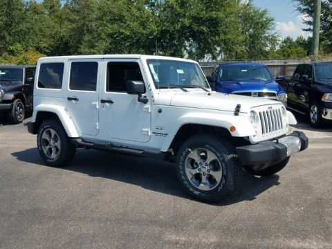 New 2017 Jeep Wrangler Unlimited Sahara 4WD