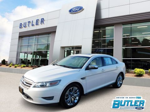 Pre-Owned 2010 Ford Taurus Limited With Navigation