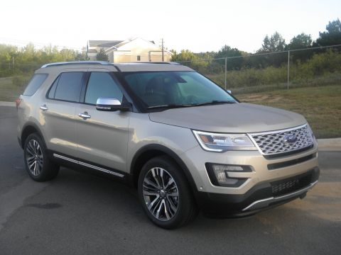 New 2017 Ford Explorer Platinum With Navigation & 4WD