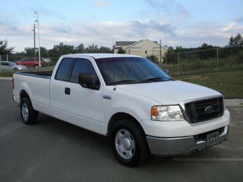 Pre-Owned 2004 Ford F-150 XL