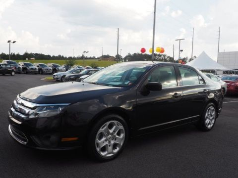 Pre-Owned 2011 Ford Fusion SE