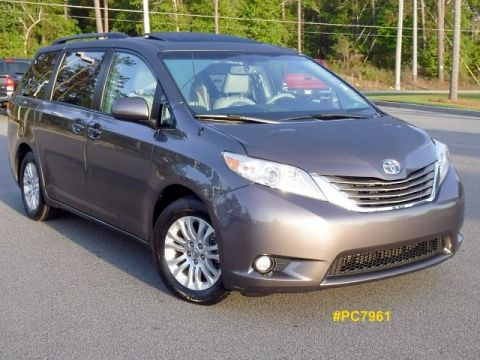 Certified Pre-Owned 2013 Toyota Sienna XLE