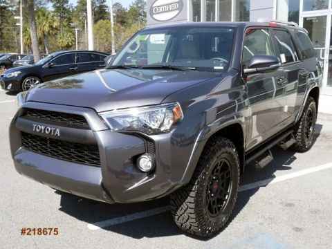 New 2018 Toyota 4Runner SR5 Premium 4WD With Navigation & 4WD