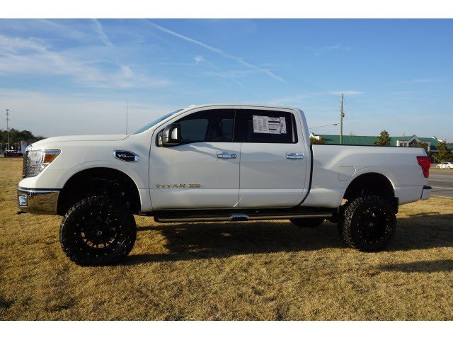 Lifted Nissan Titan >> New 2017 Nissan Titan Xd 4wd W 6 Inch Lift Special Wheels Tires Sv