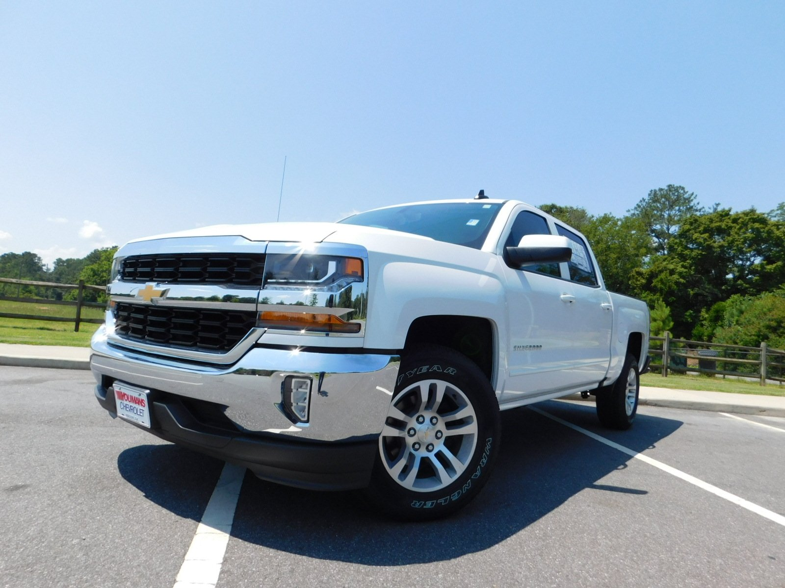 New 2018 Chevrolet Silverado 1500 LT Crew Cab Pickup in Macon