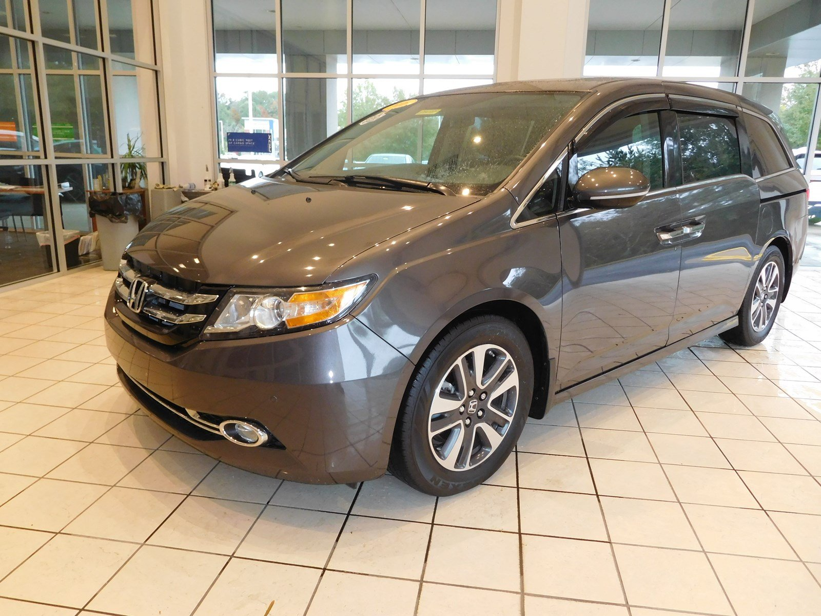 Pre Owned 2016 Honda Odyssey Touring