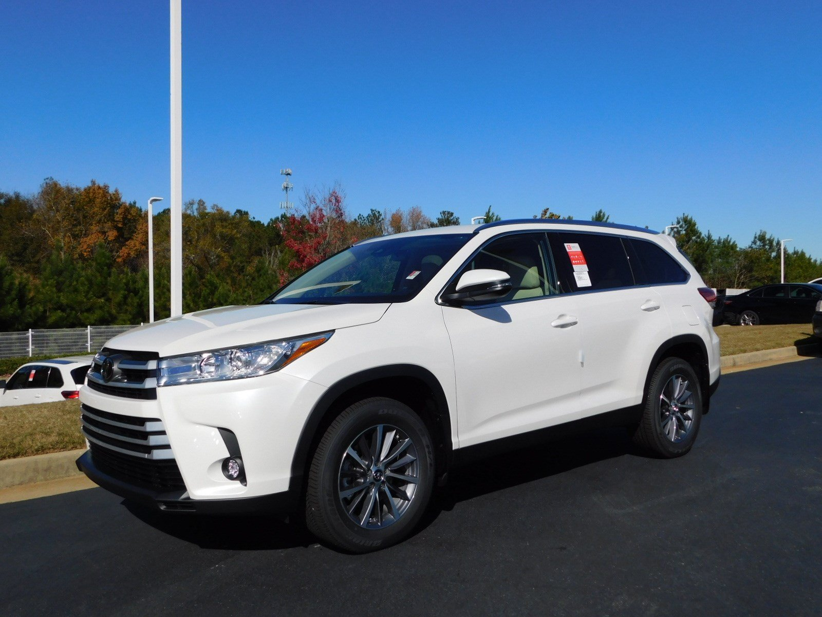 New 2019 Toyota Highlander Xle Sport Utility In Macon S569885