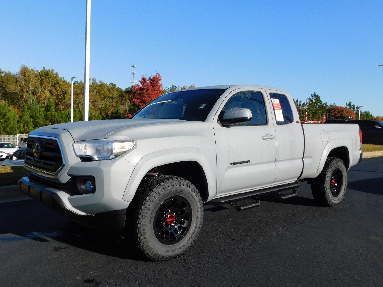 New 2019 Toyota Ta a 4WD SR5 Extended Cab Pickup in Macon X