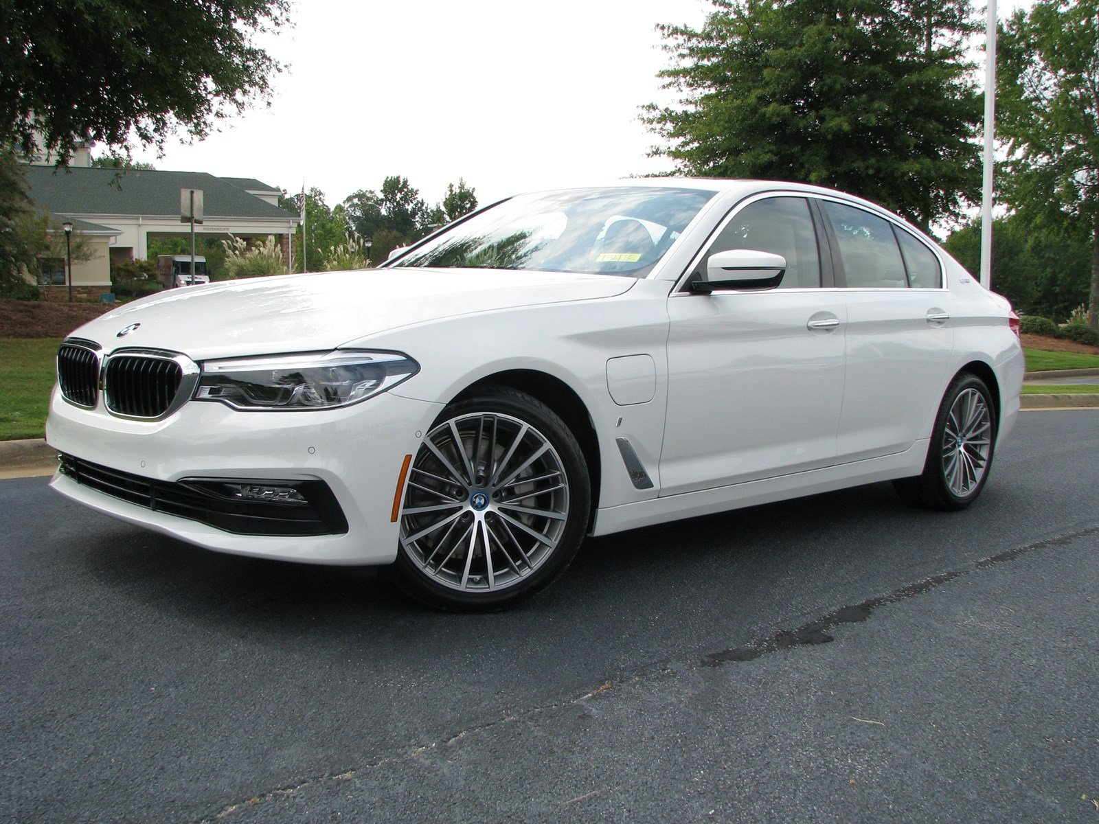 certified pre owned 2018 bmw 5 series 530e iperformance 4dr car in columbus 13418 butler auto. Black Bedroom Furniture Sets. Home Design Ideas